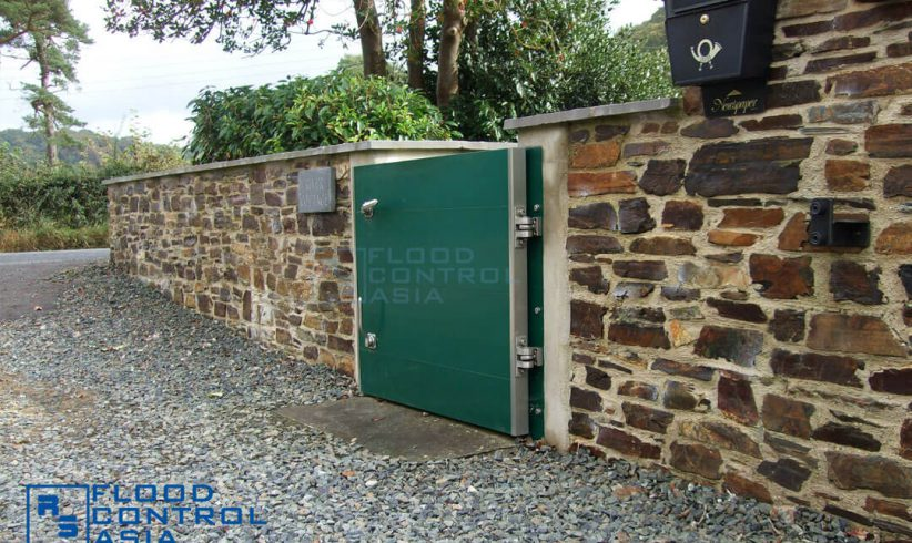 The Swing-Hinged Floodgates can be used all-year round as a permanent gate for homes.