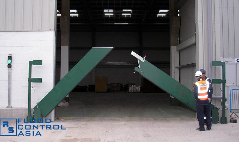 Pivot-Hinged Barriers can be installed with two leaves, especially on areas with wider openings.