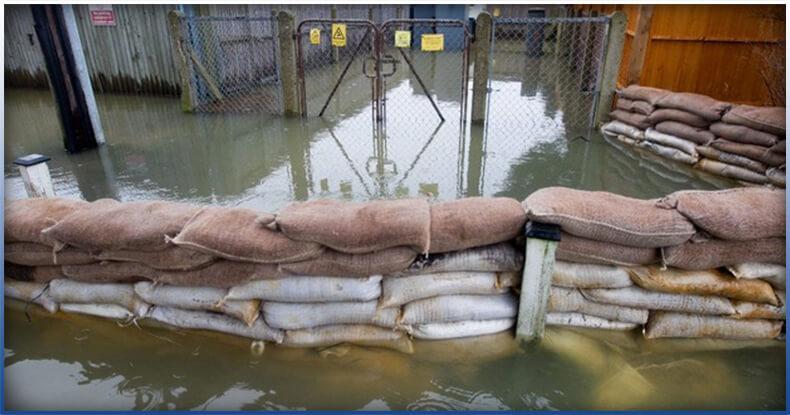flood with sandbags.