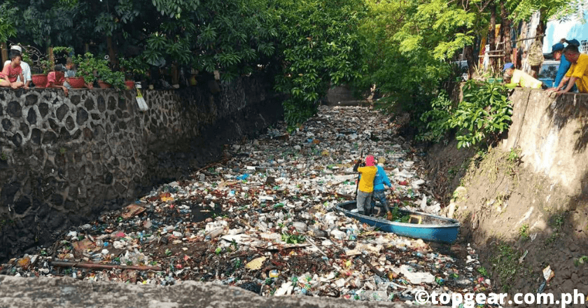 Garbage situation in Metro Manila, canal flood risk