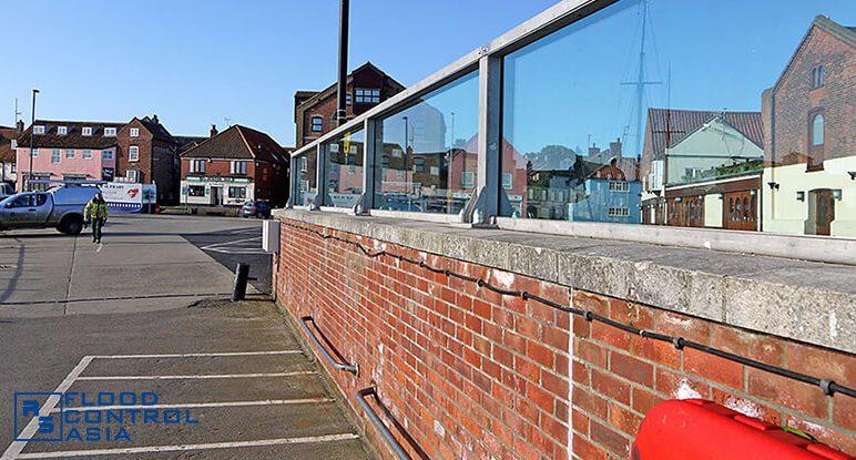 Glass-flood-wall-after-2