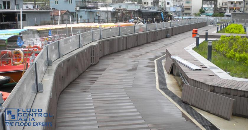 demountable barriers as flood protection for Tai-O River