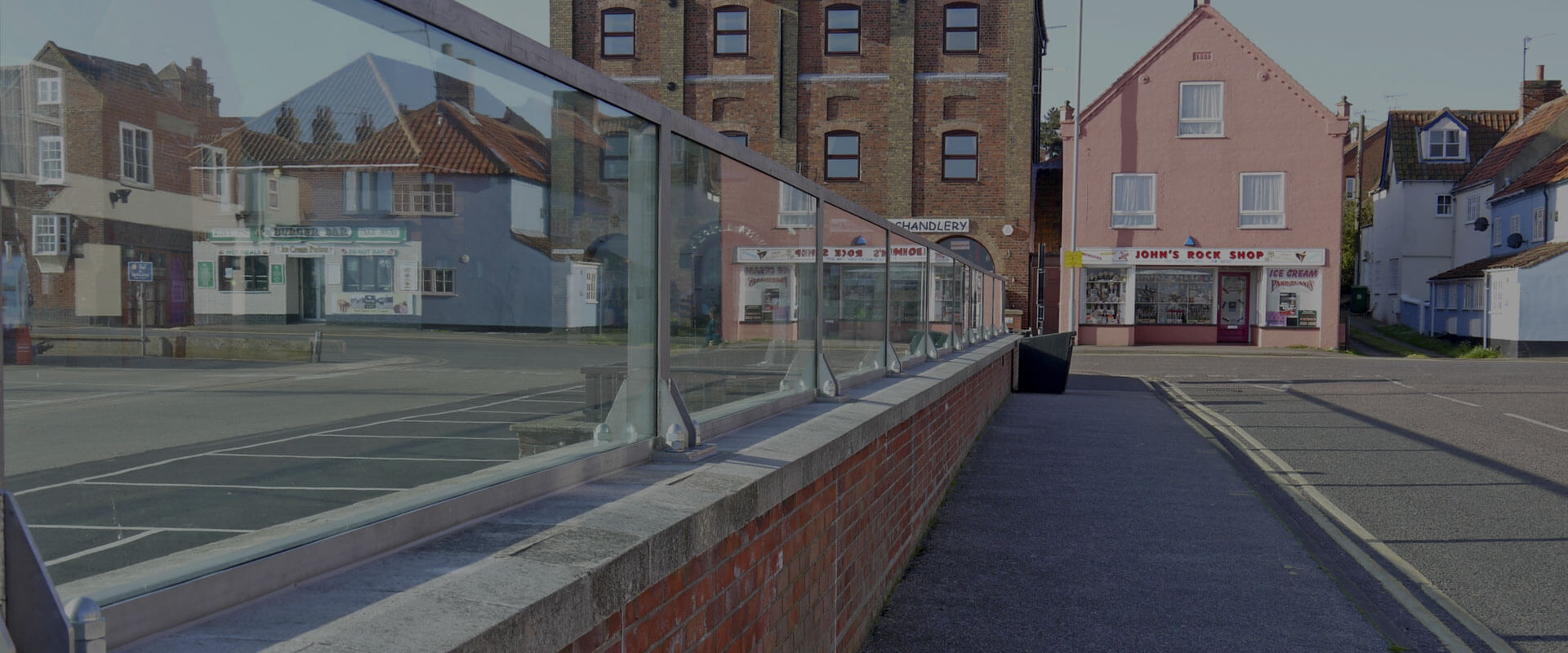 RS Glass Wall Flood Barrier – Government Infrastructure
